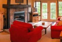 Colonial Country Family room / Pale yellow, red, and white