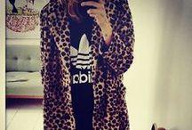 My Style - Winter / Ik ben gek op jurken, loop meestal in het zwart, maar sta ook echt open voor kleur! Stoere laarsjes, vesten, gekke dingen... kom maar hier! Ik heb dan ook kásten vol.... / by Nathalie Montfoort