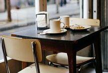 Café / Ik wil geen café begonnen, ik ga niet eens zó vaak naar een café; het gaat me puur om de inrichting, want inrichten vind ik het leukste dat er is!