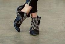 FLATS / Women's fashion, shoes, flats / by HOPE DENDINGER