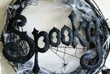 I <3 Halloween / by Megan Crow