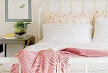 middle bedroom / by Amber Schmitz