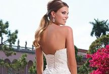 Preview 2015 Collection / The Sweetheart Preview 2015 Collection features wedding dresses designed with soft lines and charming details that will make any bride feel radiant.