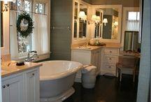 Bathroom. / by Leah Stallard