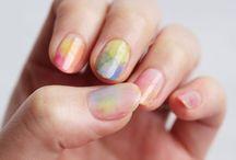 Pretty Nails / by Giulia Simonato