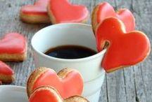 U znaku srca / Pronađite ideje i recepte za fina slatka i slana srca i ostale prigodne delicije koje ćete servirati najdražoj osobi na svijetu.  / by Coolinarika Podravka