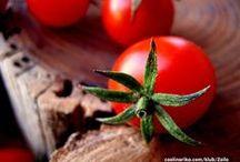 Rajčica - simbol ljeta / Ljeto se prepoznaje po obožavanom crvenom zlatu, rajčicama. Zdjele i tanjuri prepuni su jela od sočnih crvenih plodova koje s uživanjem režemo, sjeckamo, miksamo, pirjamo, kuhamo, pečemo.. / by Coolinarika Podravka