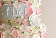 Wedding Cake Extraordinaire / Amazing wedding cakes, cake toppers, cake recipes and cake table ideas to make your wedding extraordinary!