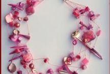 My handmade jewelry - Hand gemaakte sieraden / Handmade jewelry and scarfs. I will ship to other countries. Shipping costs - please mail me. Handgemaakte sieraden en sjaals. Ik verstuur ook buiten Nederland. Verzendkosten op aanvraag via mail.