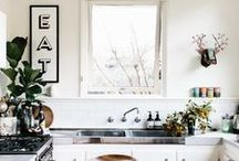 [ KITCHEN THINGS ] / by Roxy Leaver