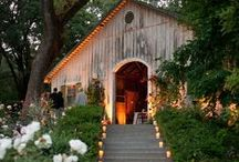 Wanderlust Weddings: Barn Chic / Want the escape without a full destination wedding? Barn chic is just the ticket!