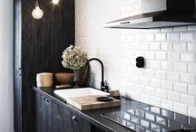 Kitchens / by Courtney Meinen