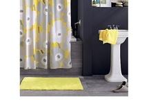 Small Bathrooms / by Amanda Freeman {Realistically Domestic}