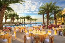 Resort Wedding Setups / There are various setups that your destination wedding could have for your ceremony and reception. Here are many different scenarios for you to browse through. How beautiful!