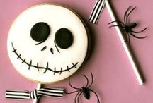 Halloween / Cookies & Cakes & Cupcakes / by Elma