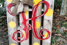 Crafts / by Janice Aymond