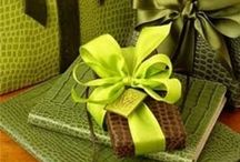 Gift Wrapping Ideas / by Kelly Salario~Seaux Southern (machine embroidery)