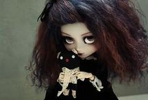 Dolls with Balls (ball joints, that is) / by Anne-Marie Gaumer