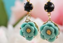 Earrings photography / Sharing photography angle, lighting and background for e-commerce listing.