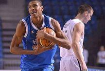 Giannis Antetokoumpo / Basketball Players