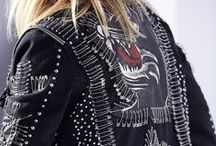 #dieselfallwinter15: Evening Rock / Slick like a black panther with an unmistakeable punk edge, #dieselfallwinter15 stays true to Diesel's signature rebellious and irreverent attitude, with an elevated influence of wearable cool. From punk-ish safety pins to grunge plaid patterns, every look conjures an elegant yet tough charm