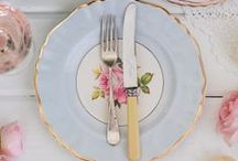 Teacups and tablescaping / Fancy pants dining, table setting, dinner parties