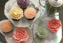 Cupcake Ideas / by Laura Schwartz