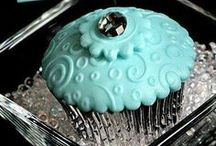 Adorable cupcakes / by Rosslyn Riddle