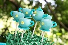 Cake Pops / by Rosslyn Riddle