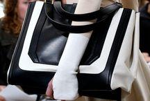 Bags- Clutch / by Hellen