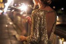 """CONLEYS ♥ Pailletten Party / Der Dezember ist wohl der Monat, der am meisten glitzert und glänzt. Die schöne Weihnachtsdeko färbt nämlich gerne auch auf unsere Outfits ab. Gerade an Silvester heißt es """"Auffallen"""" – was mit irisierenden Pailletten auf großen Flächen des Körpers natürlich am besten geht. Auch eine Christmas-Party in der Firma oder bei Freunden kann Anlass genug sein, sich in schimmernde Schale werfen."""