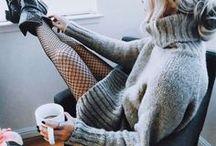 CONLEYS ♥ Winterkleider / Wer sagt eigentlich, dass Kleider nur etwas für den Frühling und Sommer sind? Auch im Herbst und Winter lassen sich Kleider tragen und die die Outfits sind schön warm und trotzdem stylisch! Einfach mit warmen Strickjacken, Strickpullis, Overknees kombinieren.