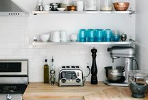 KITCHENS / by Holly Neufeld