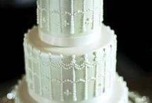 Bolos - Cakes / by Sylvia Queiroz Assessoria e Organização de Casamentos, SP-Brasil