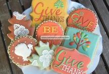 Thanksgiving / Thanksgiving recipes, crafts, table settings, and printables. / by Laura Bray Designs
