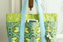 Sewing - Bags, Purses, Totes, etc. / by Gwen Toews