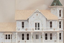 Dollhouses/Miniatures / by Sue Bockrath