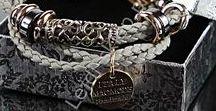 Biżuteria / Jewellery / Jewelry. Evening jewelry, earrings, bracelets, necklaces. Wedding jewelry. Biżuteria damska. Bransoletki, kolczyki, kolie, naszyjniki. Biżuteria ślubna.