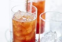Drinks / by Leona Dykes