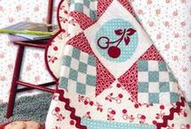 quilted tabletops / by Patty Hanssens