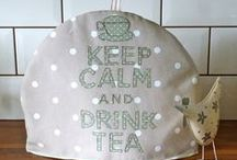 tea cosy / by Patty Hanssens