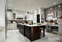 Kitchen: Fashion Forward / This top-to-bottom renovation transforms a style disaster into a fabulous functional kitchen.