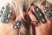 ღAccessory Cityღ / I love jewelry - rings, earrings, bracelets, necklaces, you name it. - Sofia Vergara  / by Faithalious