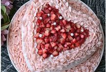 Valentines Day / Follow The Cave Woman for some delicious recipes and fun and romantic valentine's day ideas.  / by Going Cavewoman Healthy Eating