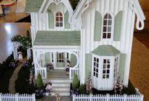 Miniature Gift Dollhouse / by BRIANA JOHNSON