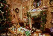 Miniature Dollhouse Christmas / by BRIANA JOHNSON