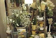 COMMERCIAL | Vignettes / Commercial vignettes that inspire me. Store displays, antique mall layouts, market layouts, tiered vignettes, vignette lighting, vintage vignettes, wedding vignettes and more!