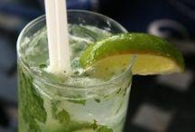 Low-Calorie Cocktails / cocktails, cocktail recipes, healthy cocktails, skinny cocktails / by POPSUGAR Fitness