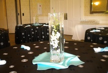 Tablescapes - Cosmopolitan Chic  / Fresh, clean, green and white. Slightly Contemporary with just the right amount of pizzaz!