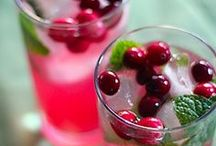 Holiday Cocktails and Mulled Drinks / Delicious Libations to sip and warm up!